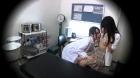 フェチ:レズ:巨乳女医とJKのレズ
