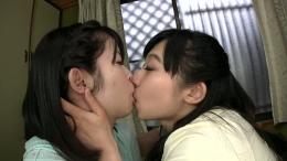 フェチ:レズ:お姉ちゃんとベロキス接吻