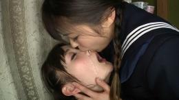 フェチ:レズ:接吻顔面舐めレズ