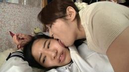フェチ:レズ:年の差レズ~母と娘の愛憎レズ~①(接吻編)
