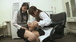 フェチ:レズ:【リクエスト】女医が女子○生の太ももをねちっこく診察