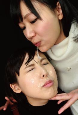 フェチ:レズ:べろちゅ~48手 ⑥痰つば顔射~顔面舐め接吻
