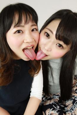 フェチ:レズ:川越ゆいが指南する素人娘みほちゃんの初めてのレズ接吻
