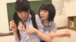 フェチ:レズ:ダメ生徒をお叱り乳首舐めレズ 篠崎みお 牧野れいな