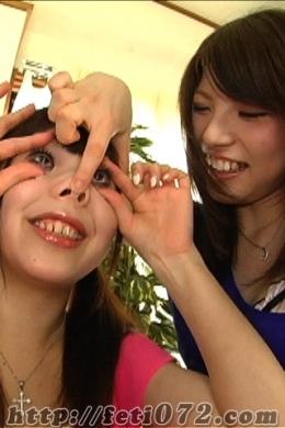【★大人気顔面弄りレズ★眼球もろだし・豚鼻・強制口開器具★】 顔面弄りレズ!!見ごたえ満載の顔面弄りレズです!!可愛い元の顔がまったく分からなくなるくらい変形させてます!!眼球もろ出しで豚鼻にされ・・・さらに【強制口開器具】で綺麗な歯も虫歯だらけの歯も治療痕も全てさらけだします!!お楽しみ下さい★