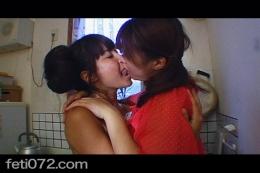 フェチ:レズ:オススメ紹介!むさぼるようなレズキス鼻舐め