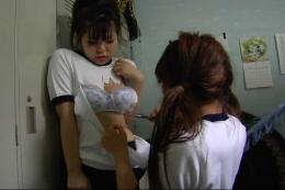 フェチ:レズ:同級生に脅されてレイプされる女子校生