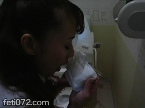 フェチ:レズ:女子校生のマンカスを舐めとる女教師 前編