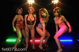 【集団ダンス】 ストリップダンスフェチ動画!久々の更新です!やっぱ人数が揃うとエロスのインパクトも違います。半裸の美女がくねり踊り狂う!