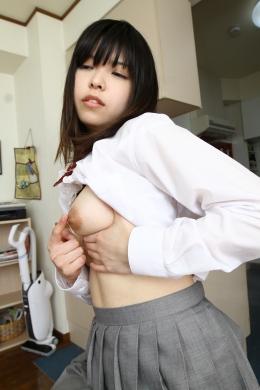 フェチ:レズ:女子校生の乳いじり