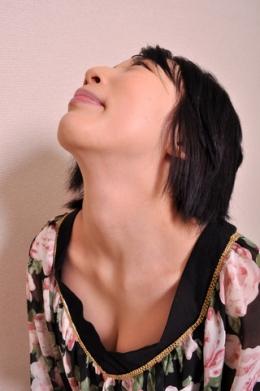 【首観察 希咲あや】 白くキレイな首をじっくりご堪能下さい!  希咲あや