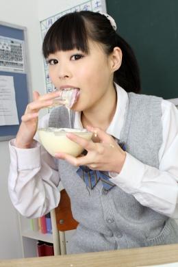 【リクエスト作品 マヨネーズ舐め女子校生】 女子校生が、ねっとりマヨネーズを「ベロ」で、舐めます!酸味の効いたマヨを舐めしゃぶるjkの姿に扇情されます