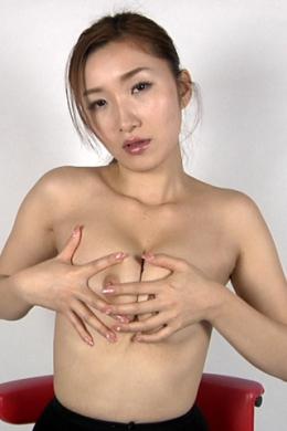 【乳首セルフいじり】 美女が乳首をいじる!!!