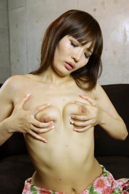 【セルフ乳首オナニー】 可愛いギャルの乳首、胸オナニー  LinoA