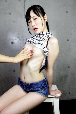 【長乳首をいじり倒す!!】 長乳首の亜優ちゃんの乳首をいじり倒す!!   水城亜優