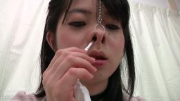 フェチ:レズ:鼻観察 鼻フック くしゃみ鼻水