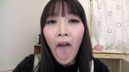 フェチ:レズ:小春ちゃんの舌・口内自撮り