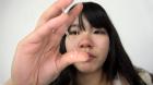 フェチ:レズ:素人娘かなこちゃんの鼻観察・くしゃみ鼻水