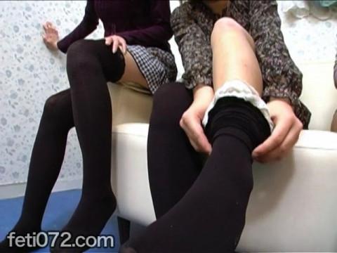 フェチ:レズ:足指先フェチ動画 女子3人が輪になって指を…!!