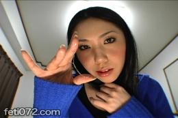 【バーチャルベロキス粘性ヨダレ投下】 黒髪美しい美女の、カメラ目線挑発エアベロキスフェチ動画!特に彼女、何がすごいって、その涎のネバネバっぷりだと思います。粘りの強い涎唾液を投下して、そいつを指で、ベロで弄ぶ変態フェティッシュぶりを遺憾なく発揮。ジュルリとしゃぶる、マニア垂涎映像!!