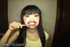 フェチ:レズ:リクエスト作品★美少女歯磨き≪舌苔磨き≫で綺麗なベロにしようね★