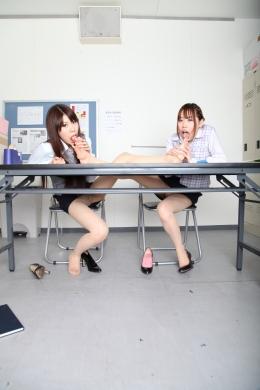 【水虫足指舐めレズ】 脚が痒すぎるOL2人が仕事中に脚を舐めだす。痒そうな脚にしゃぶり付き合う変態的脚線美■SD&ハイビジョン高画質(HDV-720P)