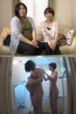 【妊婦と母乳のレズ〜インタビュー編】 中学の同級生の妊婦さんと母乳妻が始めてのレズプレイをする。その前のインタビュー  さつき(白シャツ)・けいこ(ブルーワンピース)