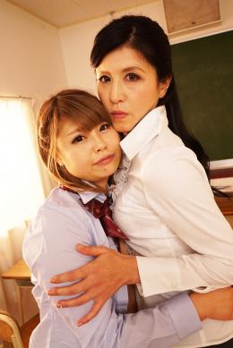 フェチ:レズ:女教師と女子校生の年の差恋愛レズ 森下夕子 双葉かえで