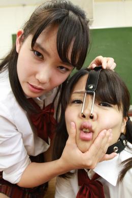 フェチ:レズ:【リクエスト】お嬢様女子校顔面責めいじめビデオ 春日野結衣 東杏果