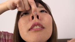 フェチ:レズ:鼻観察・くしゃみ鼻水 佐々木ひなこ