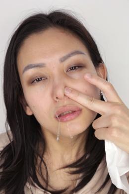 フェチ:レズ:鼻観察・くしゃみ鼻水 なをり