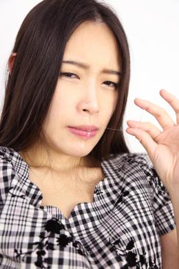 フェチ:レズ:鼻観察・くしゃみ鼻水 リカ