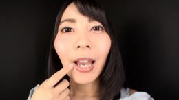フェチ:レズ:鈴木ちひろちゃんの舌・口内自撮り