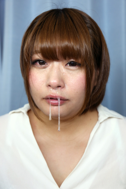 フェチ:レズ:鼻観察・くしゃみ鼻水 桜ねね