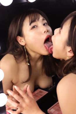 フェチ:レズ:鏡の向こうの私と倒錯レズ唾液ベロキス 永瀬愛菜