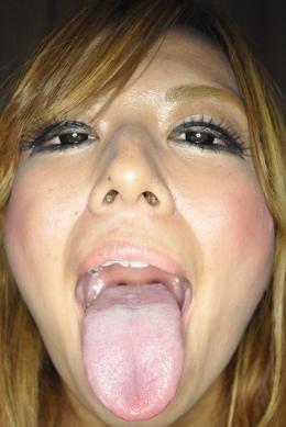 【アクリル板ベロ舐め】 ベロ長ギャルのりかこちゃんのバーチャルレンズ舐め。唾液でヨダレまみれにしながらレンズを舐めまわす  藤田里佳子